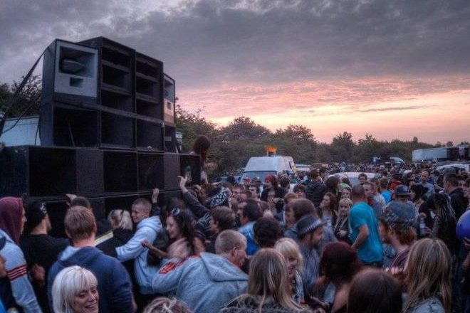 Police are calling on the public to report illegal raves over Easter weekend
